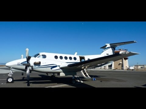 HD Beechcraft King Air 200 Walk Around and Full Cabin and Cockpit Tour at San Carlos Airprt-KSQL