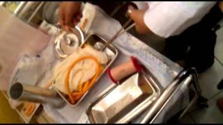 cara memasang kateter pada pasien perempuan 1