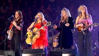 Dixe Chicks & Stevie Nicks - Landslide (live at Divas 2002)