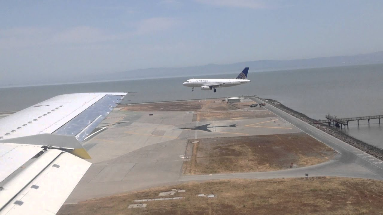 Parallel landing at SFO - YouTube