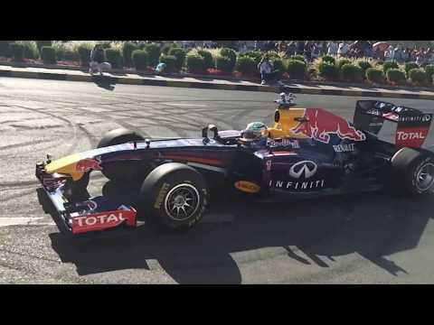 INFINITI RedBull F1 Show Run - Kuwait 28/03/2014 (Slow Motion Effects)