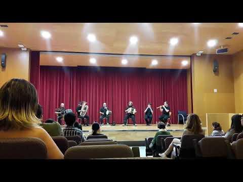 Música tradicional catala ( Benvinguts a la URV - Erasmus 2016) Traditional Catala Music