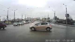 Сырость, серость и разбитые дороги в Смоленске(, 2015-03-03T05:46:12.000Z)