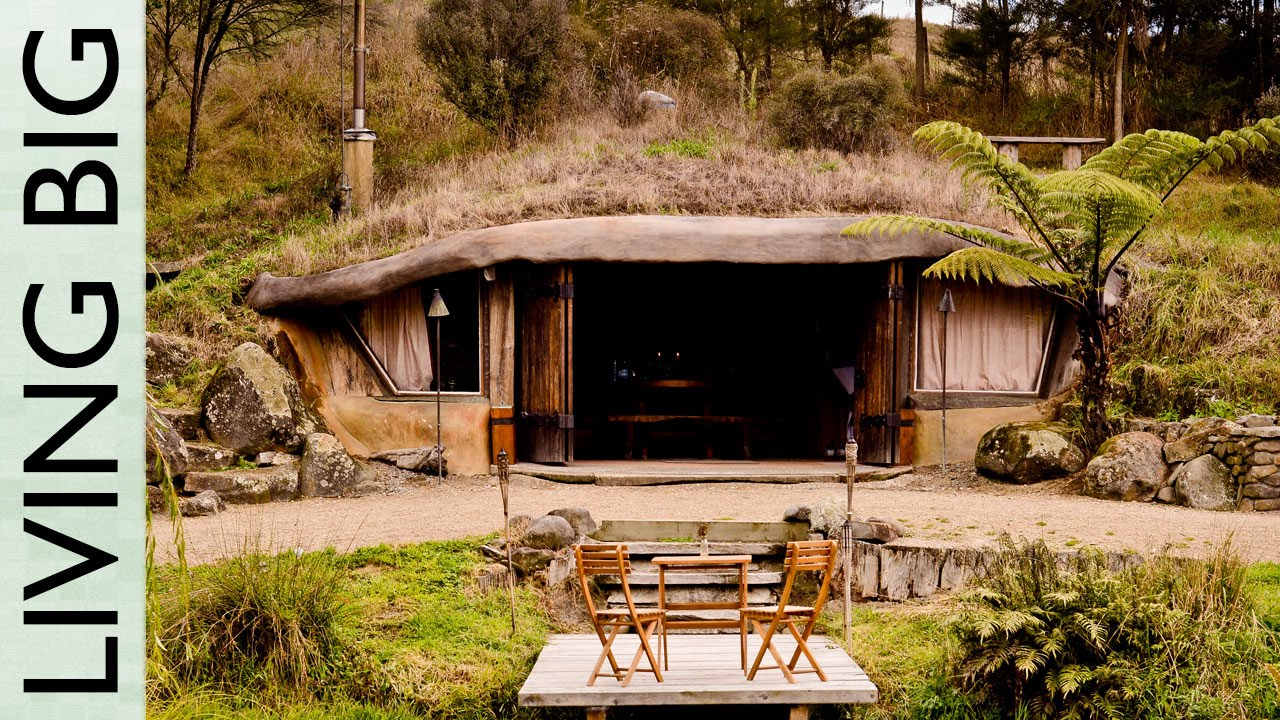 Magical hobbit like eco cave house youtube for Small new build homes