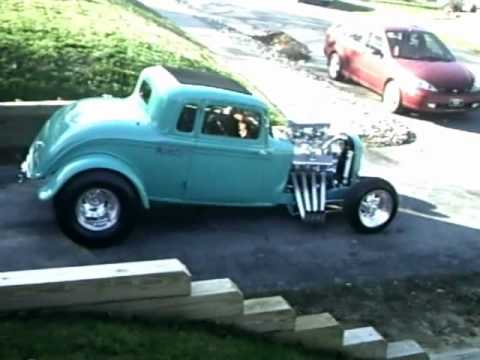 Starting the 33 plymouth street rod and a burnout pt2.wmv