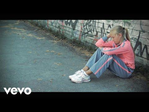 Helen Adamson - Sing It