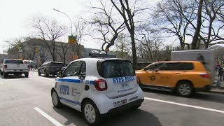 """NYPD rolls out """"friendly"""" little Smart cars"""