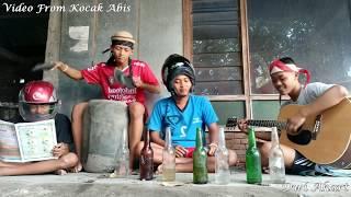 Kreatif Cover Lagu Dengan Alat Musik Seadanya, Kompilasi dari Video Kocak Abis screenshot 1