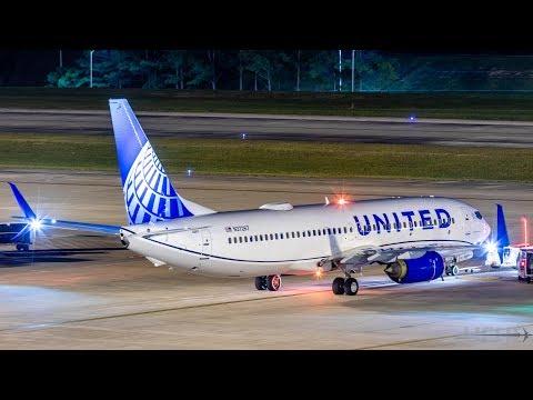 United's 1st New Livery 737 [N37267] 1st Houston Visit - YouTube