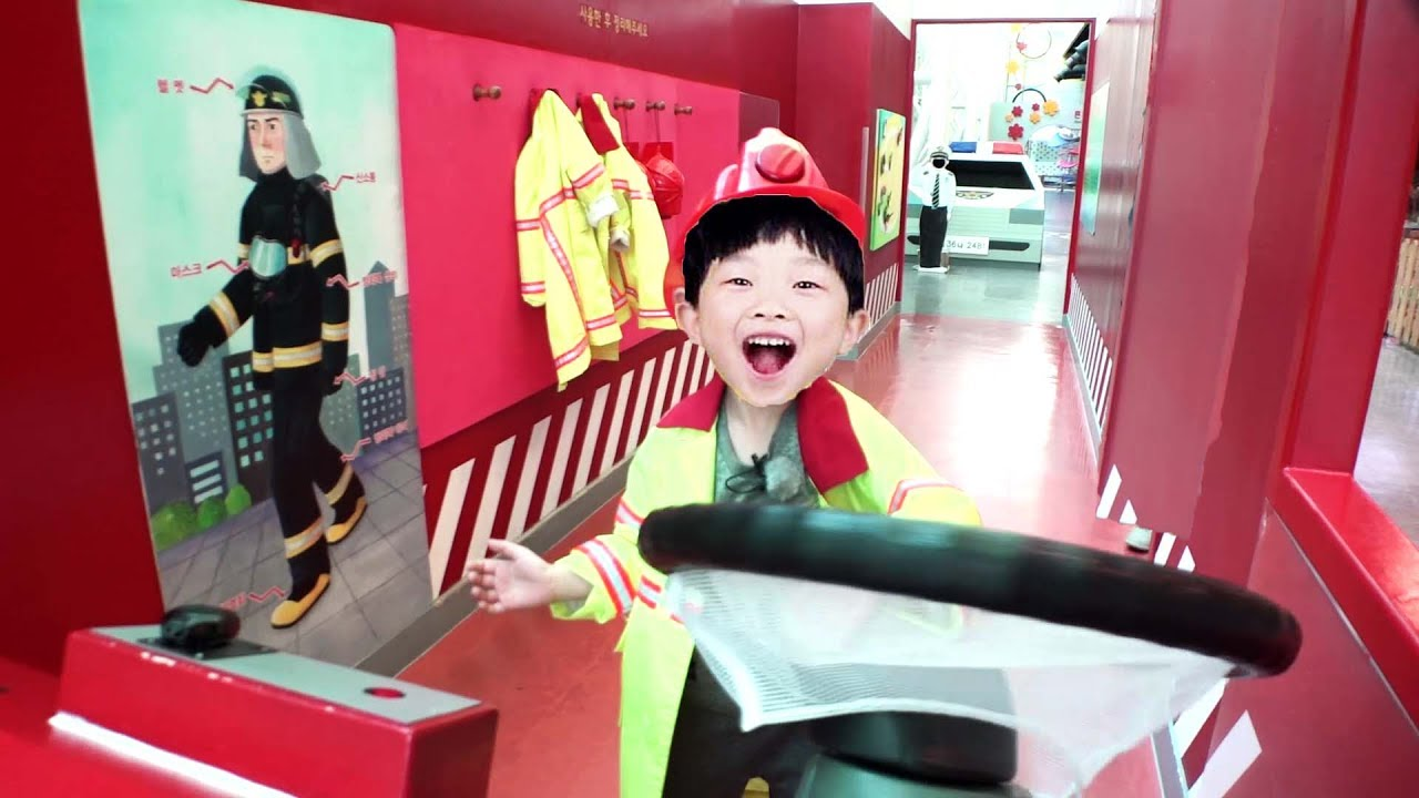 CHILDREN MUSEUM for Kids Indoor Playground Real life Firefighter Police Car Toy Play
