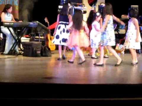 Màn múa Thiếu Nhi với Trung Thu Của Em của Đào Nguyên
