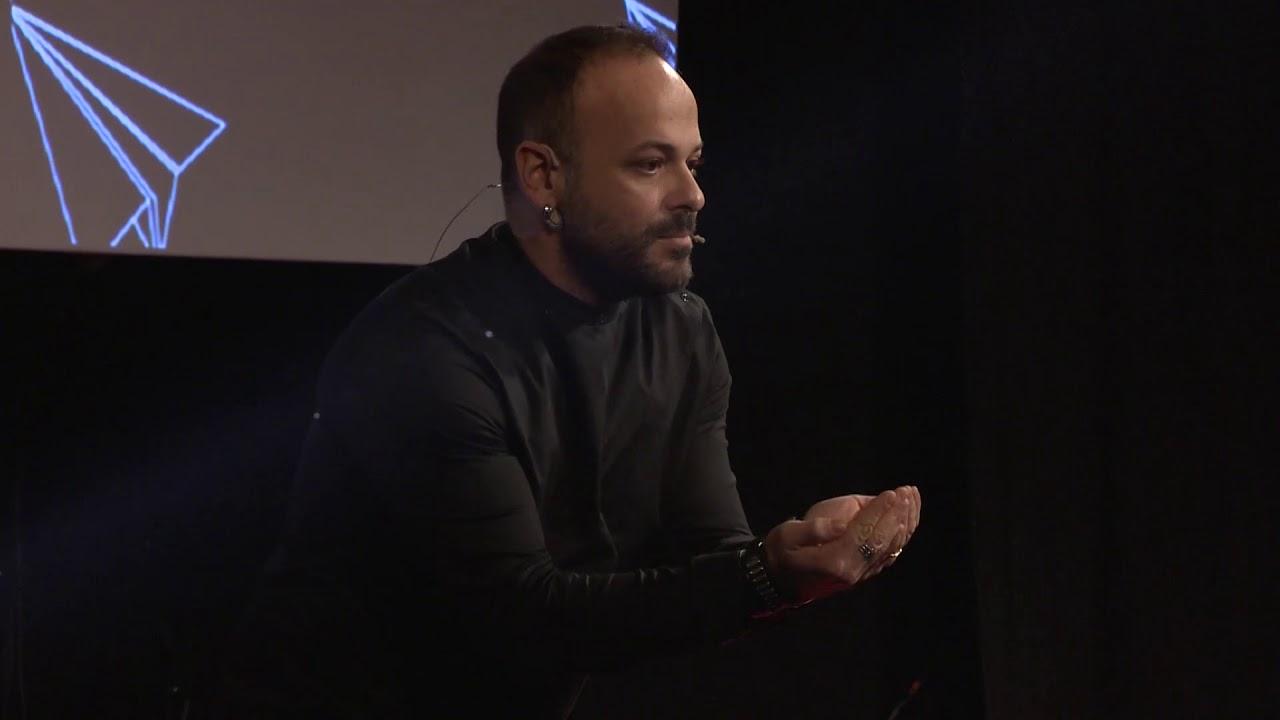 İnsanın Değer ve Sevgi Görme Açlığı | Aret Vartanyan | TEDxYouth@AlmanLisesi