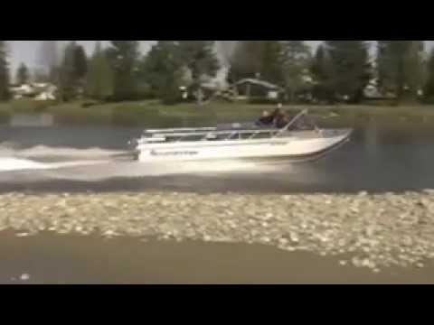 HamiltonJet Video 1 - A Wooldridge boat in very shallow water - HJ212 with 8.1L Chevrolet