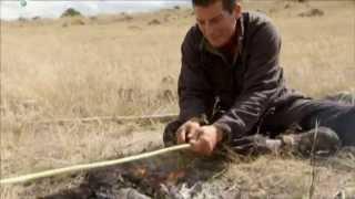 Лук и стрелы для охоты - Выжить любой ценой(Беар Гриллс рассказывает, как изготовить лук и стрелы для охоты. Подписывайтесь на группы Discovery Channel в социа..., 2015-07-07T09:05:44.000Z)