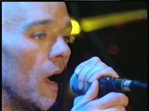 R.E.M. - So Central Rain (Live Köln 2001)