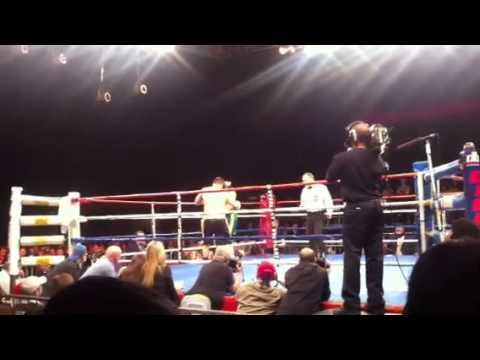 exclusiveSean monaghan vs billy baily live Irish crowd