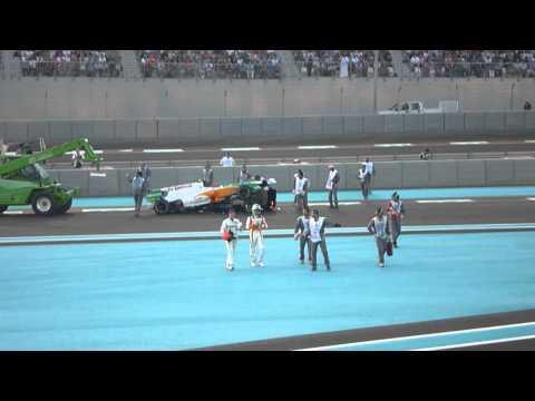 Grand prix Formule 1 Abu Dhabi 2010 Crash Schumacher