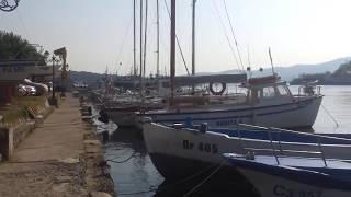 Вот где нужно ловить рыбу! Болгария, Созополь, Морской порт.(Рыбы настолько много, что она плавает прямо на поверхности воды! Болгария, Созополь, Морской порт, 2014 год...., 2015-10-10T17:02:43.000Z)
