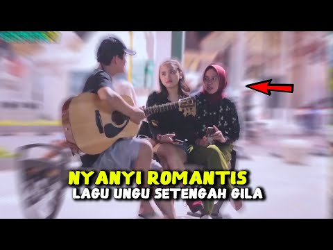 Nyanyiin Lagu Sedih & Galau [UNGU - SETENGAH GILA] Wanita Cantik Sampai Baper - Gitar Prank #PART2