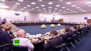 Путин проводит встречу с руководителями крупнейших иностранных компаний