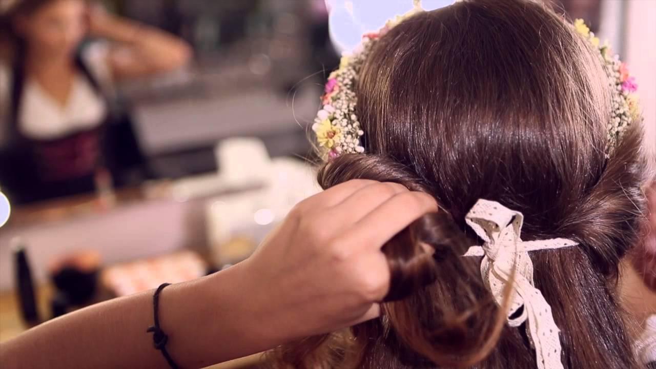 Romantische Frisur Mit Blumenkranz Dirndl Frisuren Mit Dem Schönen