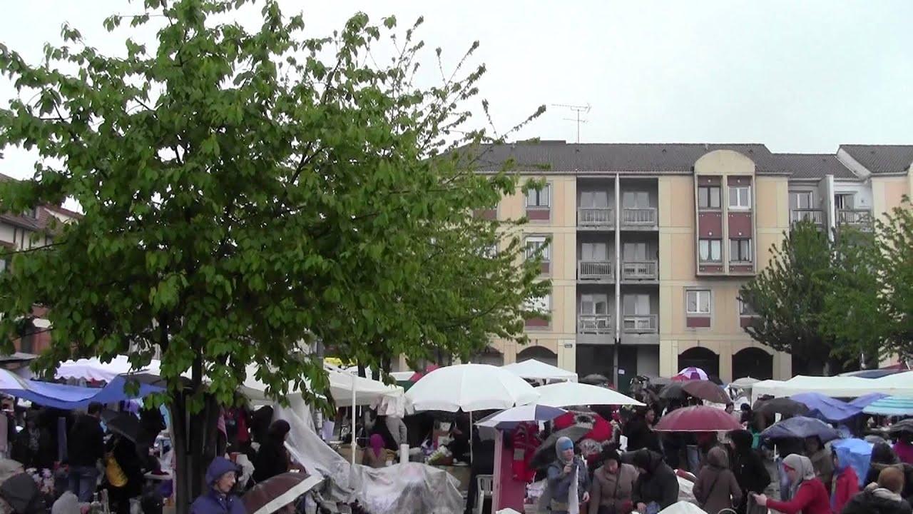 Brocante Aulnay sous Bois place du marché Eglise St Sulpice Vieux Pays lundi 20 mai 2013 YouTube # Encombrants Aulnay Sous Bois