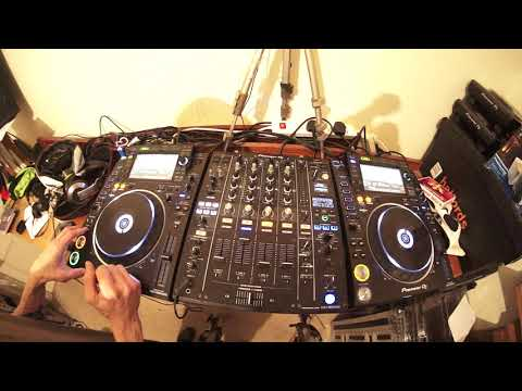 DJ HOW TO KEEP THE VIBE DURING YOUR MAIN SET