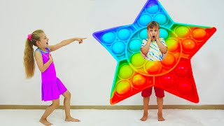 Download Diana and Roma play Pop It Challenge