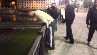 Приколы Екатеринбурга: неизвестные повесили девятиметровую *опу в центре города