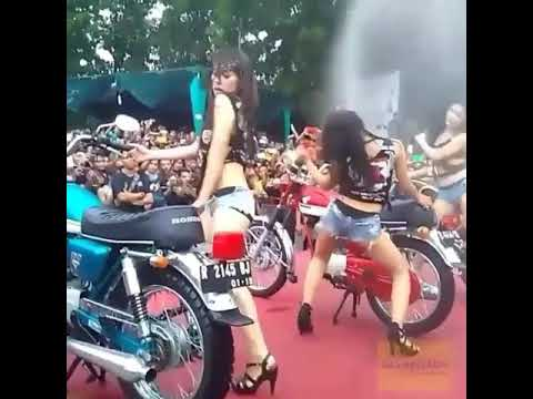 Bikers girls hot