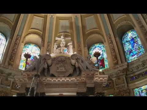 Католические Соборы изнутри/ кабинки для исповедования