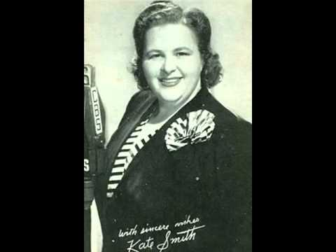 Kate Smith - And the Angels Sing  (with lyrics)