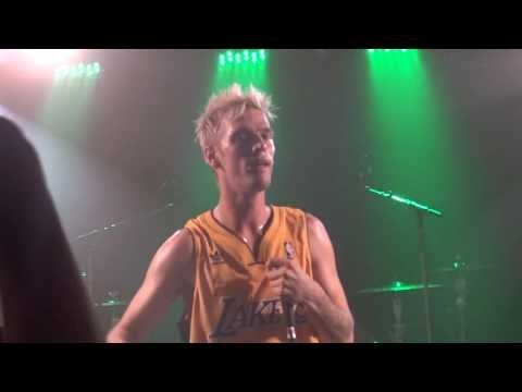 Aaron Carter - Aaron's Party (Come Get It) LIVE Montreal 2013