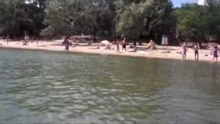 Пляжный поиск потеряшек=)(Поиск золота,монет,украшений цепочек на пляже на песке и под водой. Канал Кладоискатели коп с металлоискате..., 2013-06-29T18:52:20.000Z)