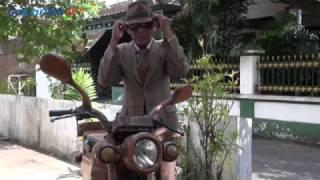 Sepeda Motor Kayu Ala Surono Bisa Digas 80Km/Jam
