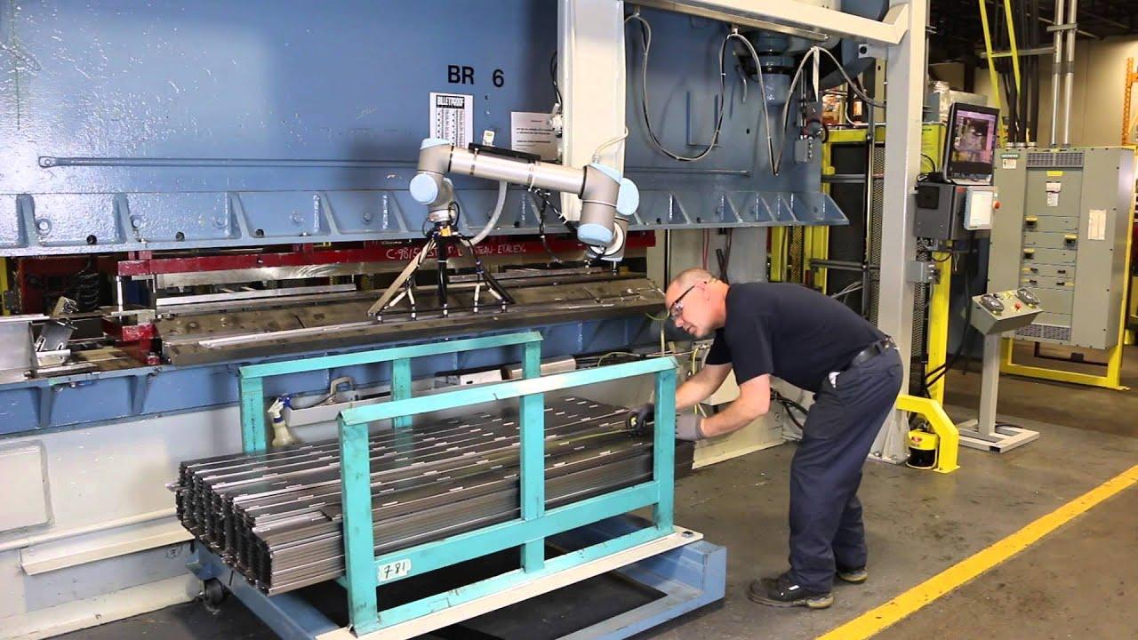 UR10 Cobot Increases Canadian Manufacturer's Flexibility