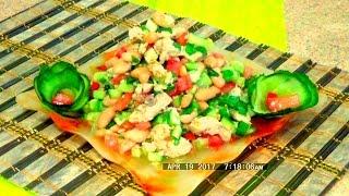 Салат из консервированной горбуши с фасолью и огурцом легко и просто
