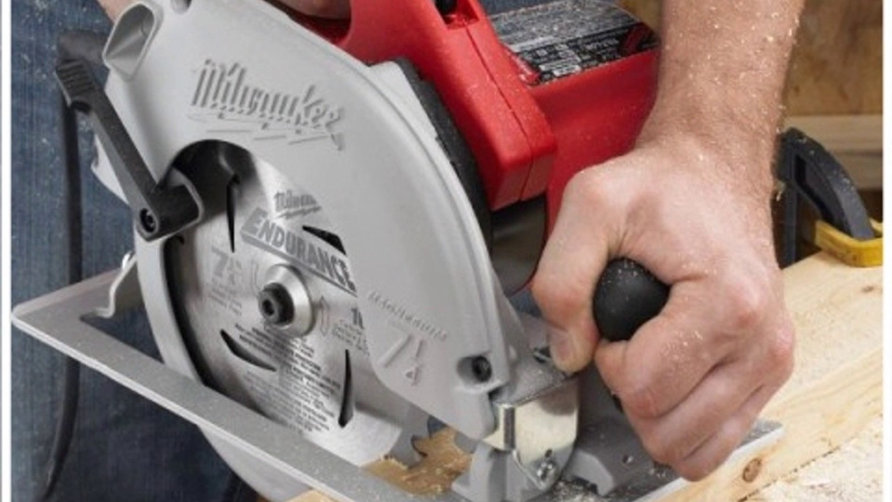 Milwaukee 6390 21 714 inch 15 amp tilt lok circular saw youtube milwaukee 6390 21 714 inch 15 amp tilt lok circular saw greentooth Image collections