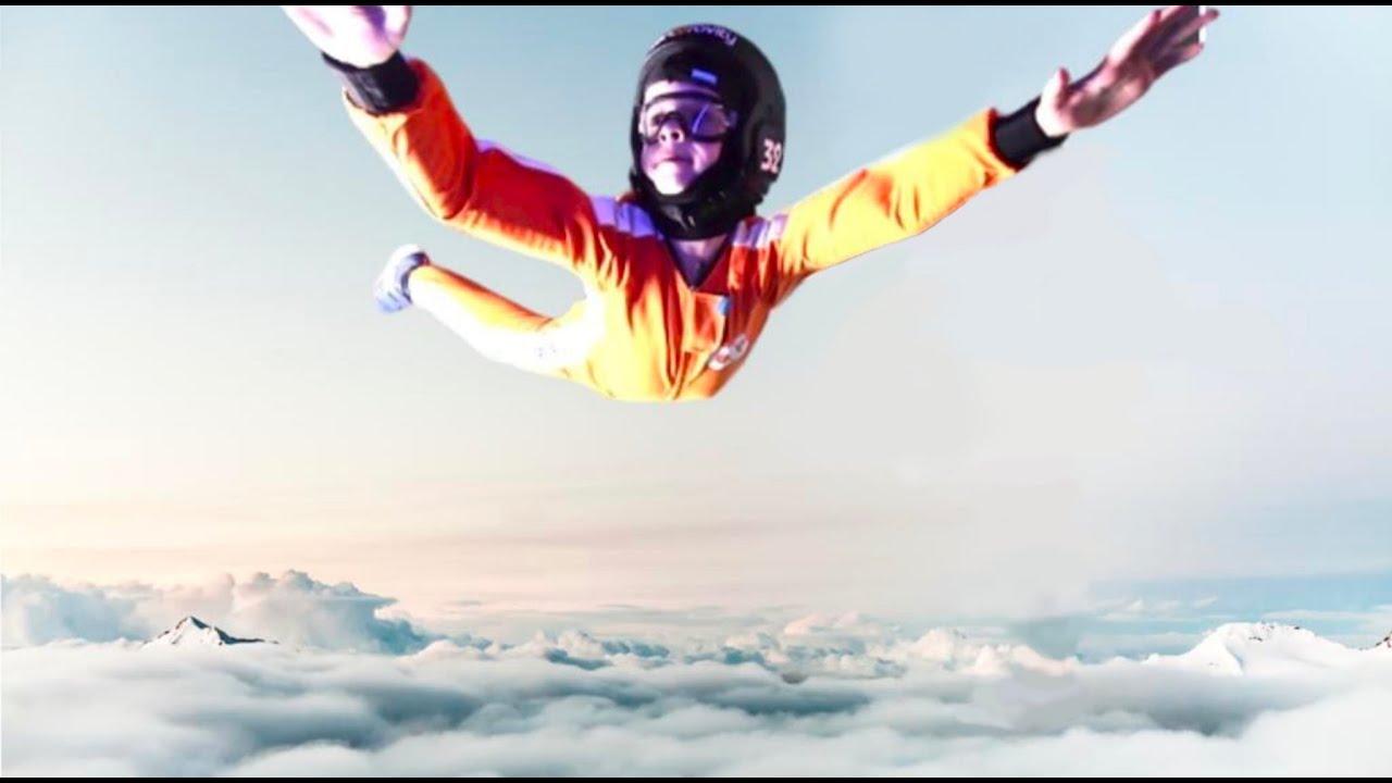 Hugo a fait un vol en chute libre !   -   Vlog WTF Angie Maman 2.0