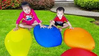 Finger Family Colors Song (Daddy Finger) GIANT Balloons Version, Baby Nursery Rhymes, Babibum