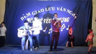 [Giao lưu văn nghệ Mùa hè yêu thương 2014] Guitar Đàm Phong- Huy Quân