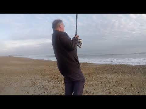 EASY FISHING Beach &Shore Fishing For Beginners Part 1