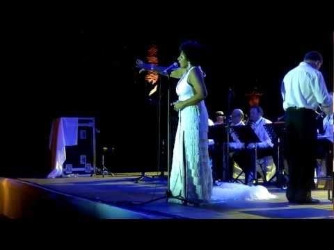 Maxine Barrie sings Shirley Bassey, MSP 2011, Marbella