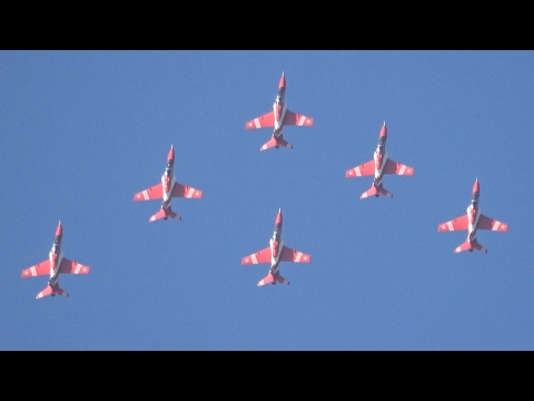 The pride of India !!! Indian Air Force Surya Kiran AerobaticFlight Aero India 2017 भारतीय वायु सेना