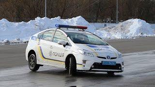 Патрульні поліцейські склали іспити з контраварійного водіння