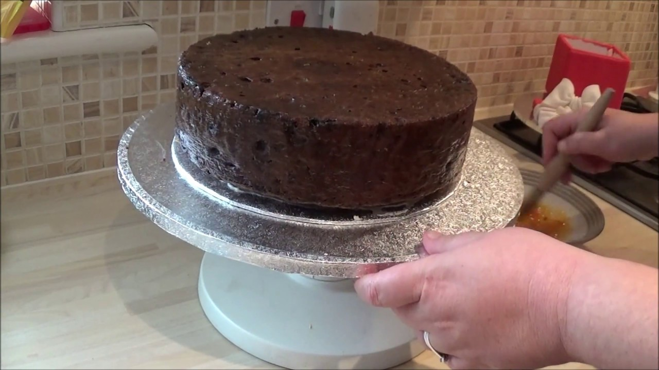 British Christmas Cake.How To Make A Traditional British Christmas Cake Part 2