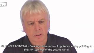 ROUND SATURNS EYE HYPNOSIS VS DAVID ICKE HYPNOSIS