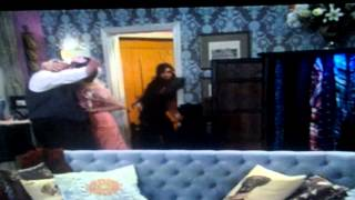 Weirdest Moment in Jessie's 'Romancing the Crone'