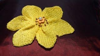 Как связать цветочек спицами (для украшения изделий)(Как связать цветочек спицами (для украшения изделий) http://bringingsuccess.ru/vyazanie.php В этом видео уроке мы свяжем..., 2015-09-29T10:16:39.000Z)