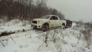 Тойота Тундра  в грязи , Toyota Tundra in mud